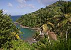 Dominica-Divoká pláž u Atlantiku